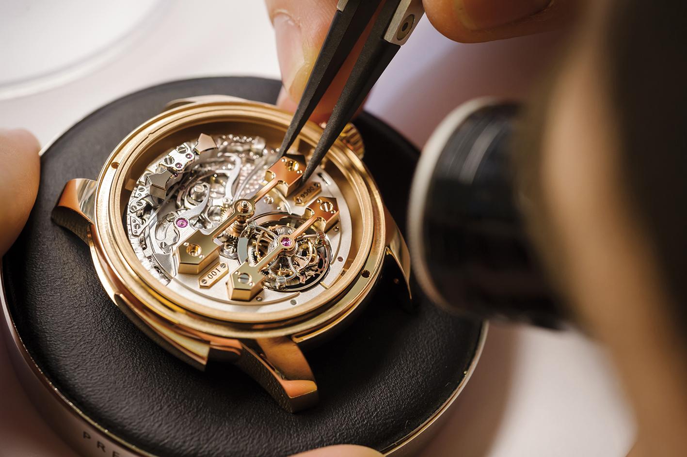 Оценим стоимость швейцарских наручных часов