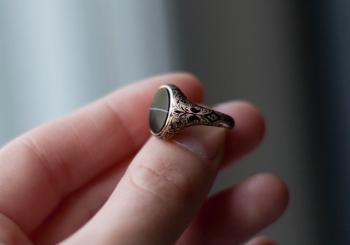 Скупка колец с драгоценными камнями
